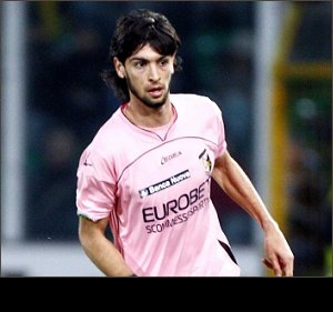 Juventus president Agnelli joins battle for Palermo star Pastore