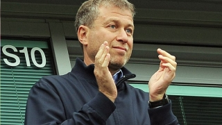 Chelsea owner Abramovich denies UK tension as he remains outside country