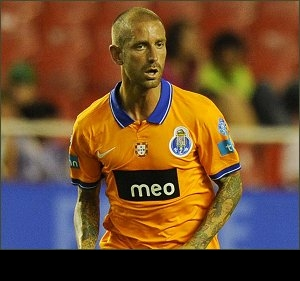Free agent Raul Meireles offered to Watford, West Brom