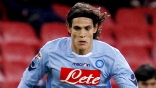 Juventus make approach for Napoli star Cavani