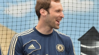 Drogba hoping Arsenal target Cech remains at Chelsea
