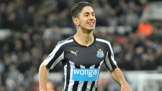 ​Newcastle boss Benitez lauded by striker Perez