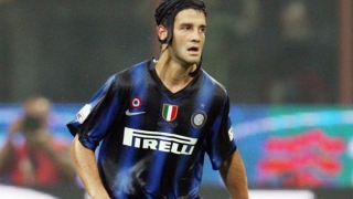 Agent: Roma were refusing to sell Chivu to Inter Milan