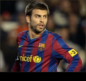 Pique: Rossi better tha Drogba. Barcelona must sign him