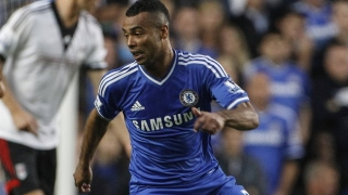 THEY'RE BACK! Joe Cole and Ashley Cole train with Chelsea