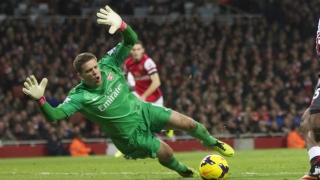 Arsenal keeper Szczesny coy over Roma return