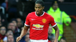 Valencia plan opening bid for Man Utd wing-back... Valencia
