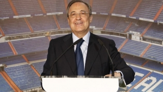 Real Madrid president Perez barracked by one irate Atletico fan