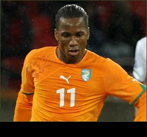 Drogba throws down gauntlet: Me or Torres for one Chelsea spot