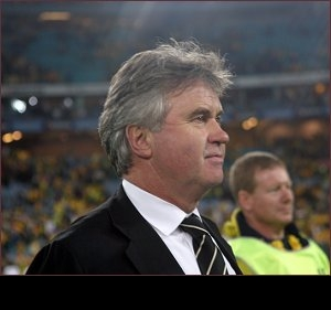 Hiddink shadow looms large over Mancini at Man City