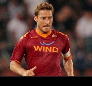 Agent: Adriano wants to join Totti at Roma