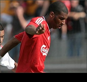 Former Liverpool striker Babel turns back the clock for Besiktas