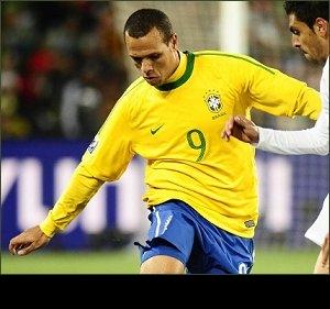 Sevilla ace Fabiano: Tottenham sort of club I want to play for