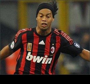 Flamengo, Palmeiras line up bumper offers for AC Milan star Ronaldinho
