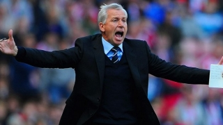 ​Pardew disappointed by heavy defeat in League Cup