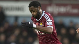 West Ham  boss Slaven Bilic challenges Alex Song