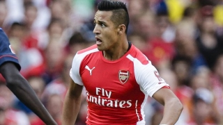 Arsenal attacker Oxlade-Chamberlain: Alexis forcing us all to lift our standards