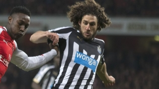 Olympiakos want Newcastle captain Coloccini