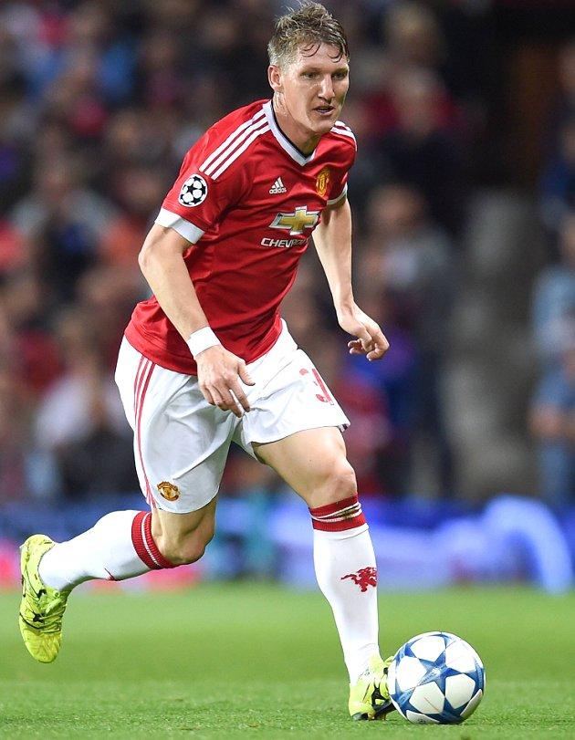 LVG raps Man Utd boss Mourinho for Schweinsteiger treatment: He didn't deserve it
