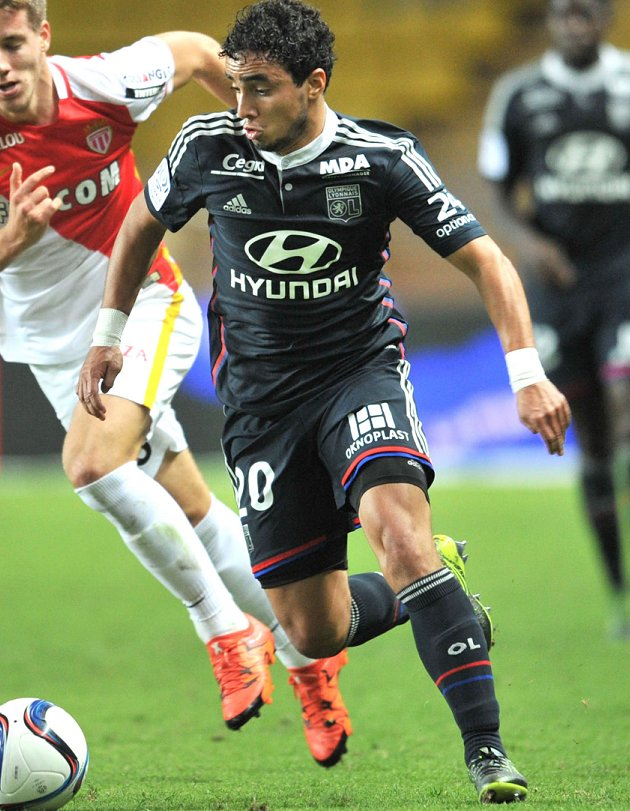 Lyon fullback Rafael on Man Utd departure: I was warned LVG doesn't like Brazilians