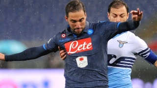 Man City target Higuain pledges Napoli commitment