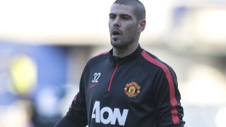 Man Utd keeper Valdes in talks with Espanyol