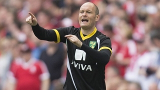 Norwich boss Neill responds to Bruce's Brady blast