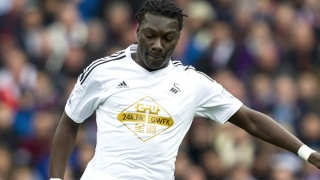 Swansea striker Gomis in talks with Marseille coach Passi