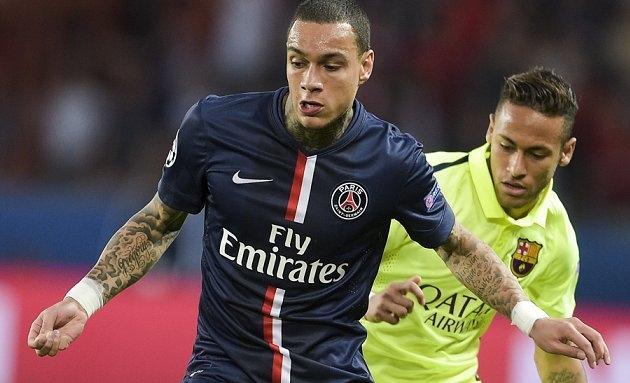 Raiola eager to offer PSG outcast Van der Wiel to Man Utd