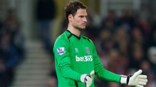 Stoke keeper Begovic headed towards Chelsea