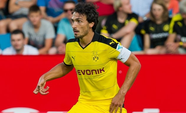 Man Utd will slap in January bid for BVB defender Hummels