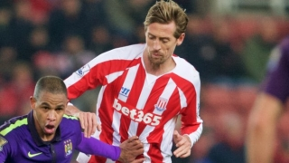 Stoke striker Crouch reaches 100 Premier League goals