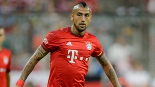Agent of Bayern Munich midfielder Vidal meets with Chelsea director