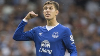 Everton boss Martinez defends scratchy Stones form