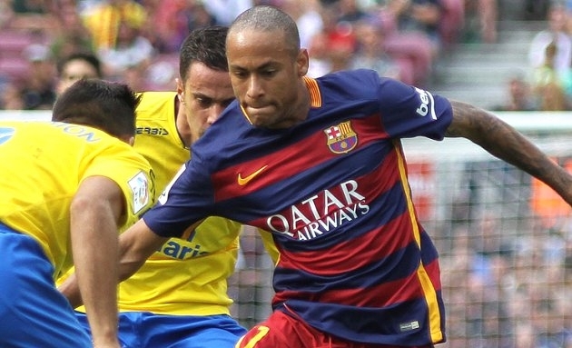 Neymar Snr: Any Real Madrid, Man Utd offer must go to Barcelona