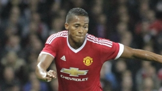 Man Utd fullback Valencia apologises for red card