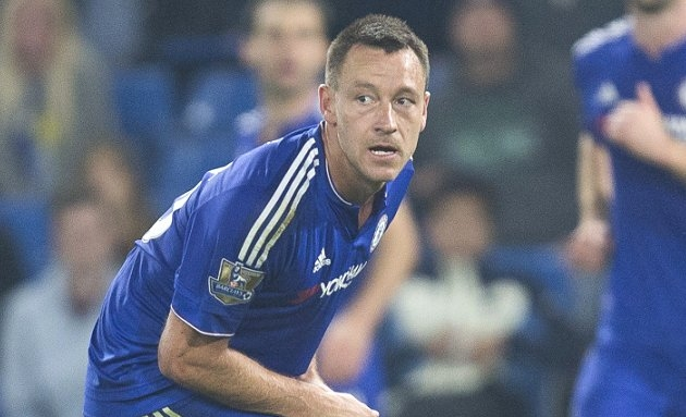 Arsenal hero slams Terry for going public over Chelsea contract stand-off
