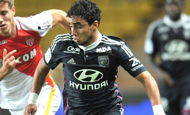 Lyon fullback Rafael on Man Utd departure: I was warned LVG doesn't like Brazilians