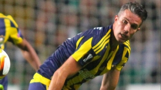 Fenerbahce striker Robin van Persie offered to Barcelona