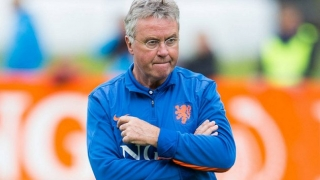 Hiddink: Van Gaal shouldn't ignore Man Utd fans