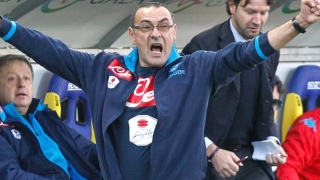 WATCH: Napoli coach Sarri flips off baiting Juventus fans