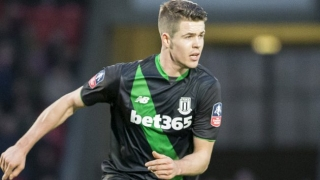 Chelsea midfielder van Ginkel to leave Stoke for PSV berth