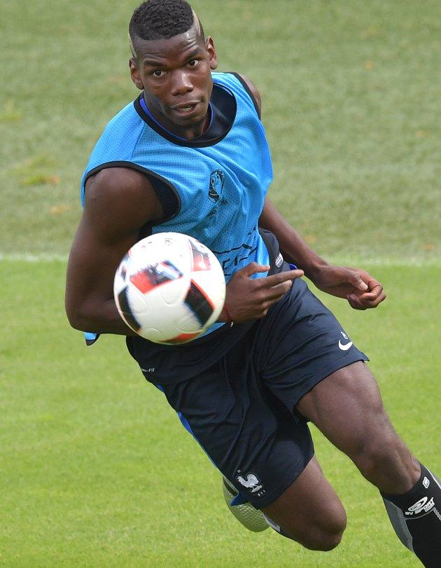 Hoddle: Blame Mourinho for Pogba's Man Utd struggles