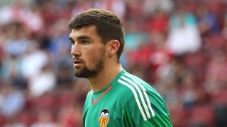 Brighton in talks for Valencia goalkeeper Mat Ryan