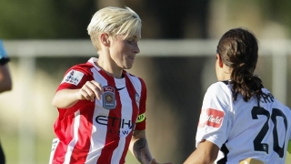 ​England Women's keeper Bardsley inks new Man City deal