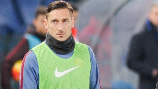 Roma veteran De Rossi hints Totti will stay