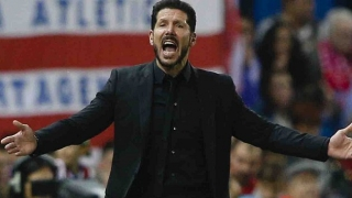 Atletico Madrid coach Simeone approaches Everton