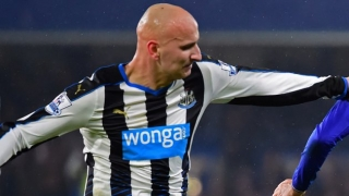 ​Newcastle midfielder Shelvey: Swansea have lost their identity