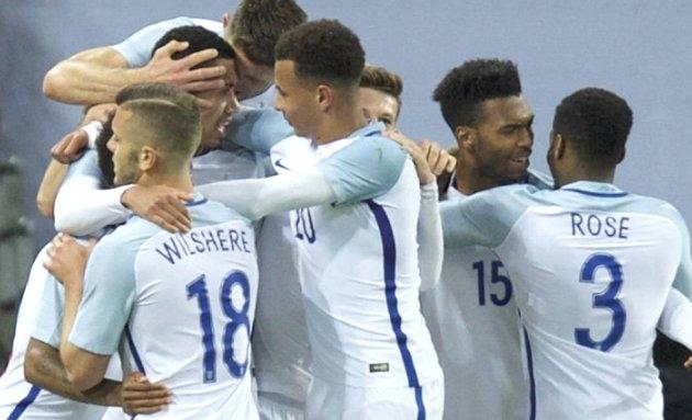 EURO2016: Senior England players LOST confidence in Hodgson as tournament progressed
