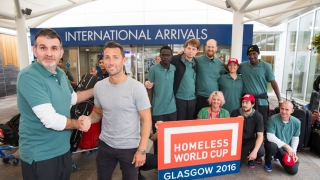 ​Scott McDonald welcomes Australian team to Glasgow for Homeless World Cup